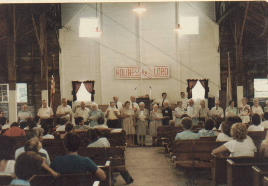 Free Methodist group worshipping in 1984