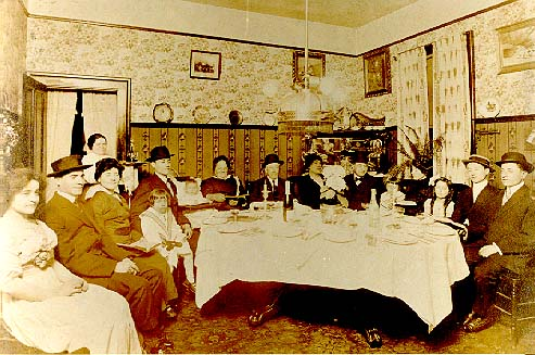 Jewish West Virginians enjoy a family meal, circa 1900